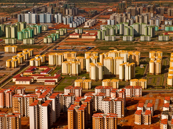 Ghost cities: Africa's moving in